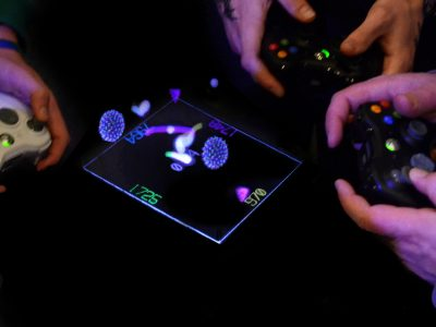 3D holographic gaming